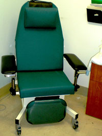 Techno Motorized Phlebotomy Chair / Recliner Blood Drawing Chair. u0027 & Techno Phlebotomy Chair / Recliner - Motorized Blood Drawing Chairs islam-shia.org